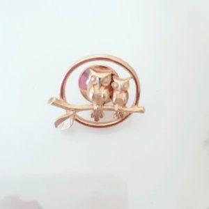 Avon Owl Vintage Metal Lapel Pin Animal